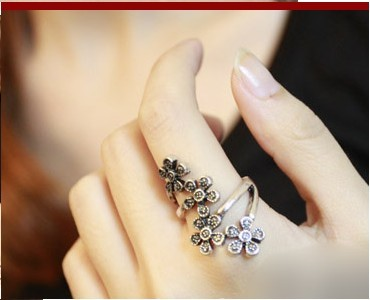 ro Dark Silver Antique style Flowers Finger Ring 17.5mm Size Fishion Wear