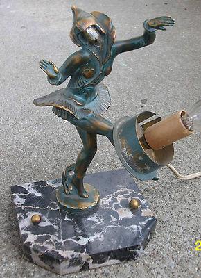 Art deco dancing girl table lamp.