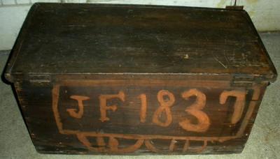 ANTIQUE PRIMITIVE 6 BOARD CHEST TRUNK BOX FOLK ART DRAWING DATE ONBACK 1837 vafo