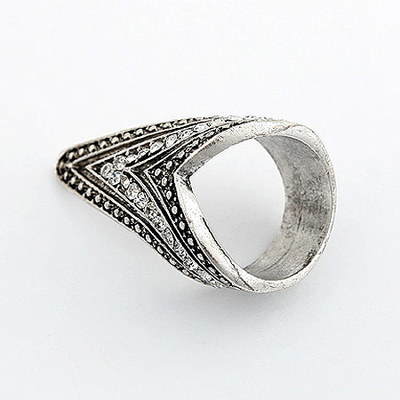 R1197 Antique Vintage Fashion White Crystal Anti Silver Sharp Ring