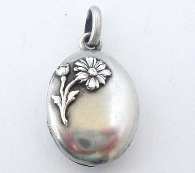 TINY ANTIQUE FRENCH ART NOUVEAU STERLING SILVER DAISY LOCKET/CHARM NO RES