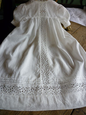 EXQUISITE ANTIQUE CHRISTENING GOWN.FRENCH.STUNNING DETAIL