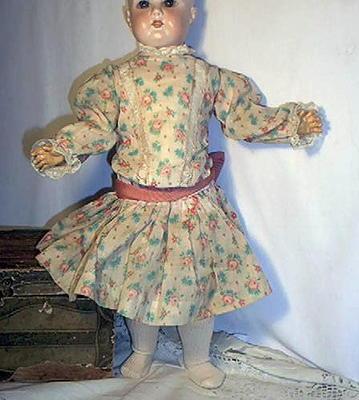 Great  Antique Style Vintage Floral Print Child Doll Drop Waist Dress
