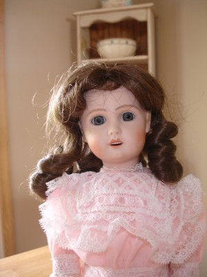 Sweet  Artist Antique Reproduction DollMary BrousePa15″Nice