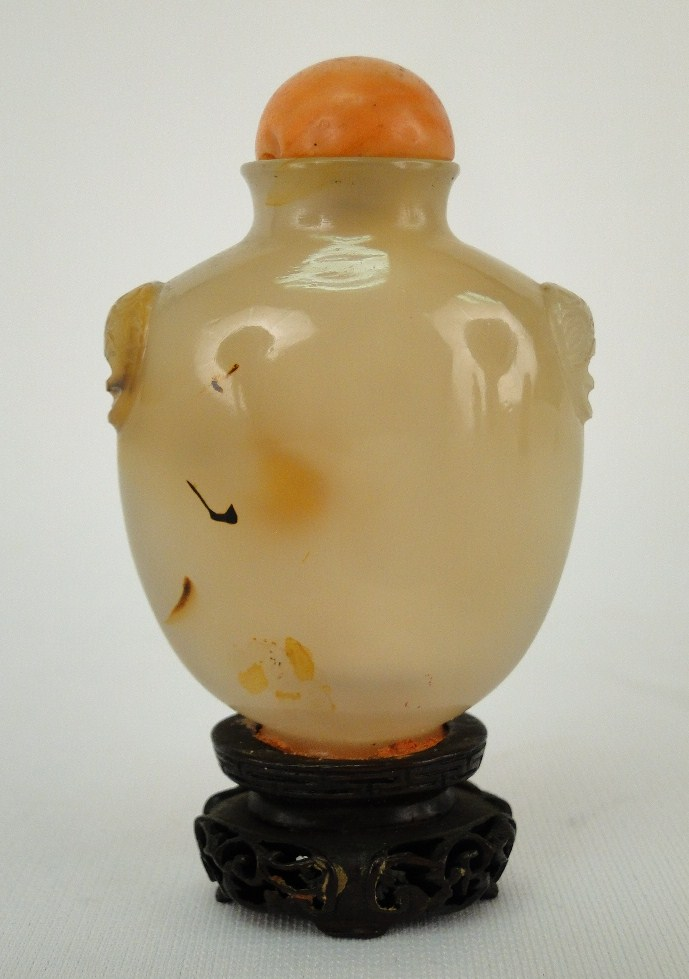 Antique Chinese 19th C. Agate Snuff Bottle W/ Wooden Base
