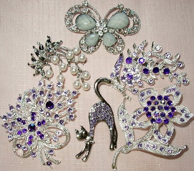 lot of  6 pty Vintage/ Antique Style  Brooches/Pins