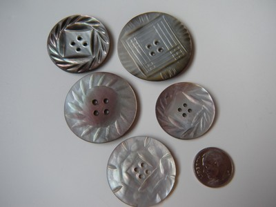 LOT OF 5 ANTIQUE CARVED MOTHER OF PEARL BUTTONS