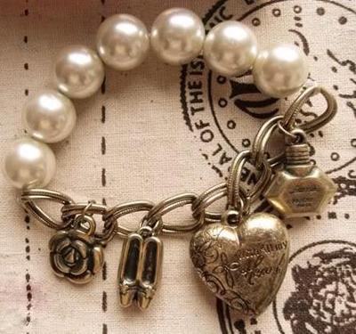 Antique ro Pearl Heart Shoes Perfume Bracelet Z047