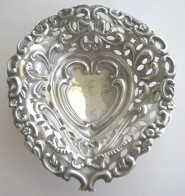 VINTAGE antiqueSOLID STERLING SILVERNUT/candy/MINTBONBOWLTRINKETPIN DISH