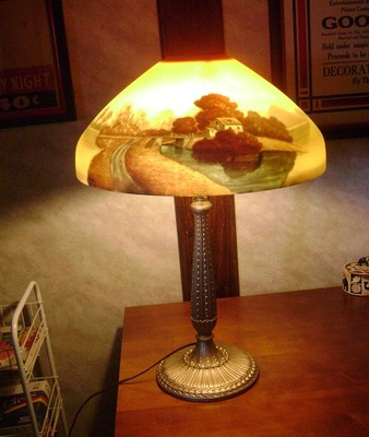 BEAUTIFUL ANTIQUE TABLE LAMP WITH REVERSE PAINTED SHADE