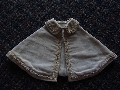 Lovely Antique Ivory Flannel Wool DOLL CAPE w/Attached CAPELET Fancy Soutache