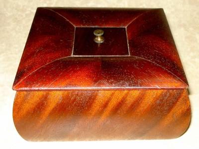 ANTIQUE WOOD BOX DRESSER BOX