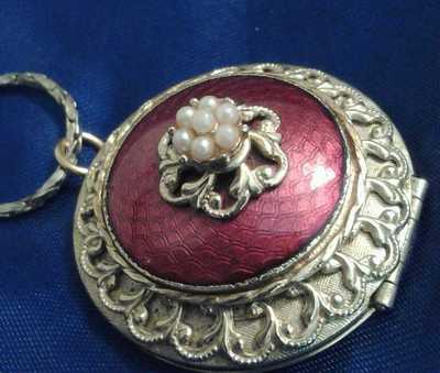 Antique Locket 1910-30 Era Collectible 2