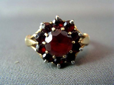 Antique 9ct Genuine Bohemian Garnet Cluster Ring