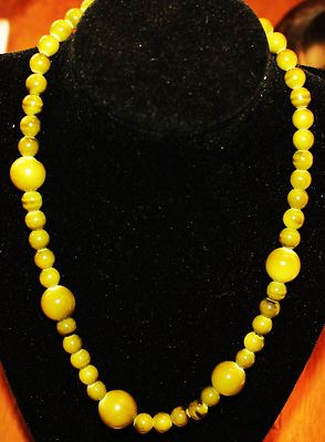 Antique Necklace Length In Inches18 Green Glass Beads Great