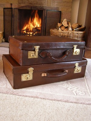 Antique Vintage Set Of 2 Graduated Leather Suitcases Pair Of Trunks