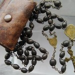 ANTIQUE WW1 MIRACULOUS ROSARY  BRASS & WOOD  IN CASE
