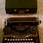 Antique Underwood Portable Typewriter Standard Four Banks Keyboard With Case