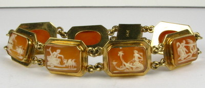 Antique Victorian Carved Beautiful Story Telling Cameo 14k Bracelet