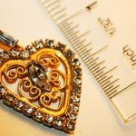 Vintage / Antique Pendant Charm Great Heart goldtone nice clear gemstones