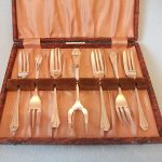 BOXED Set  6 x Antique Silver Plated Cake/Pastry Forks & 1 x Server