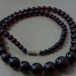 Antique Vintage Cherry Amber Bakelite Bead Necklace.