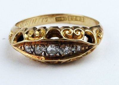 Antique 18ct gold Diamond ring Size N US 7 , 2.9 grams