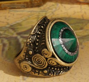 Green Eye Antique Bronze Europe ro Ring Size 7