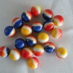 VINTAGE LOT OF 20 COLORFUL VITRO AGATE PEPSI RED WHITE BLUE & YELLOW MARBLES