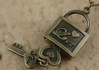Fashion Jewelry Bronze Lock Love and Key Pocket Watch Necklace Pendant Gift
