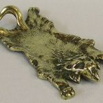 C1910 ANTIQUE CAST BRASS DESK TOP LION SKIN PEN TRAY WELL DETAILED HEAVY EXAMPLE
