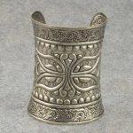 Antique  Greece Totem Carved Silver Tone Cuff Charm Bangle Bracelet Sj1798A