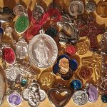 50  PIECES ANTIQUE VINTAGE LOT CHARM HOLY RELIGIOUS MEDALS CROSS PENDANT  MORE
